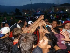 Mamoots and Euforia cheer together after their finals game at the 2012 Colombian Ultimate Nationals.