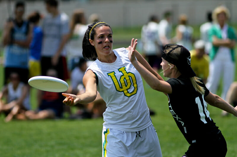 A University of Oregon player at the 2012 College Championships.