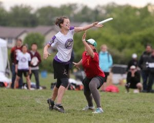 Washington takes on Minnesota in the prequarters of the 2013 USA Ultimate D-I College Championships