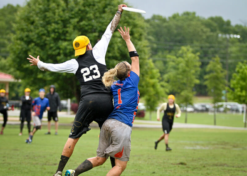 Central Florida's Sunny Harris goes over the top for the grab.