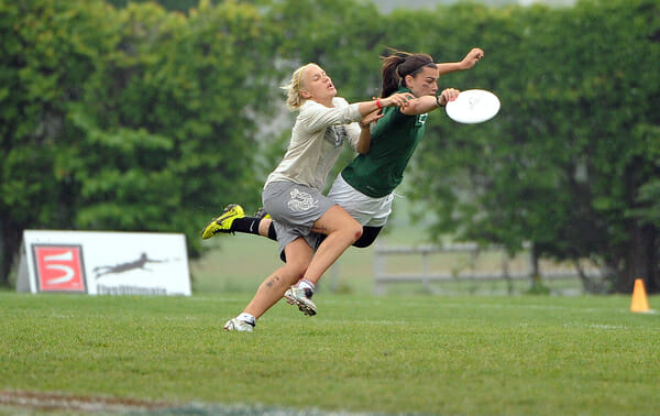 Oregon's Ashley Young makes the play of the year with a layout catch block in the 2013 College Championship final.
