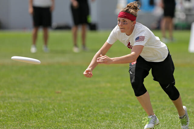 Seattle Riot's Rohre Titcomb attacks the disc at the 2014 US Open.