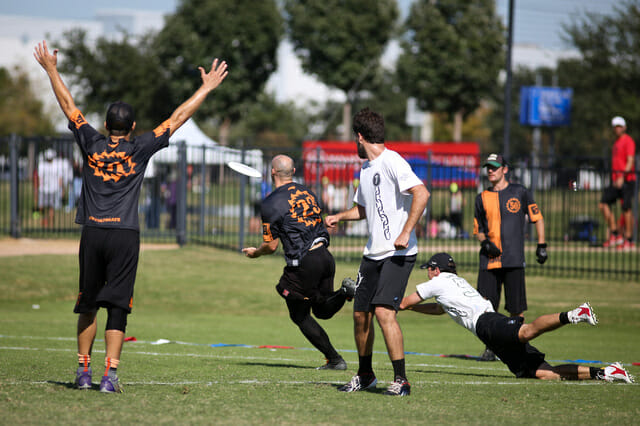 Ring of Fire wins their quarterfinal vs. Chain Lightning at the 2014 National Championships.