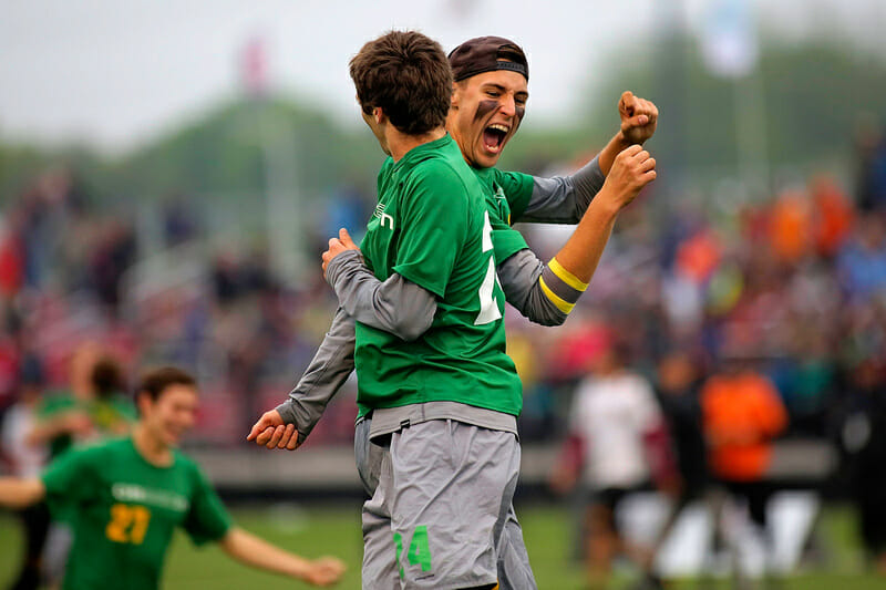 Oregon celebrates their semifinals win at the 2015 College Championships.