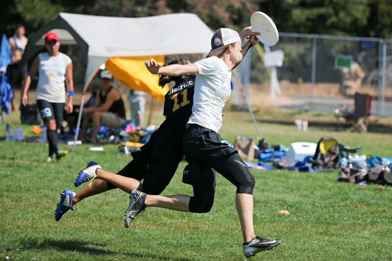 Fury v. Nightlock at 2014 Southwest Regionals. Photo: Rodney Chen -- UltiPhotos.com