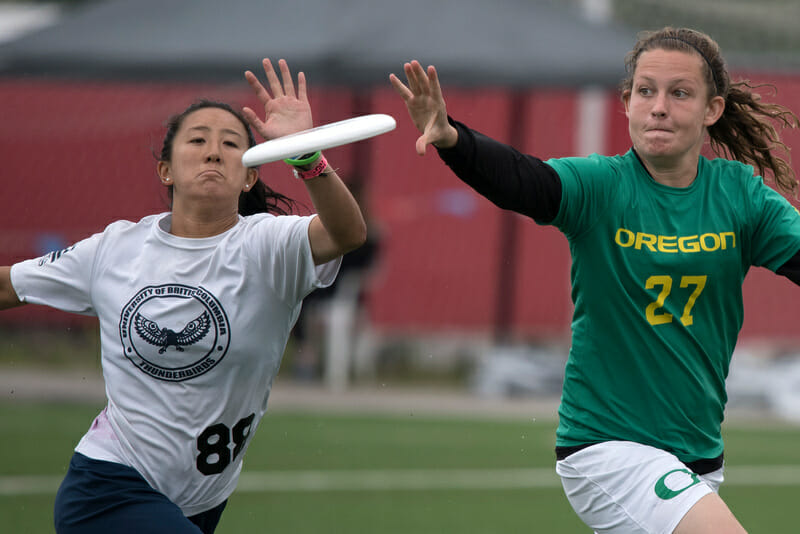 Oregon vs. British Columbia at the 2015 USA Ultimate College Championships. Photo: Jolie J Lang -- UltiPhotos.com