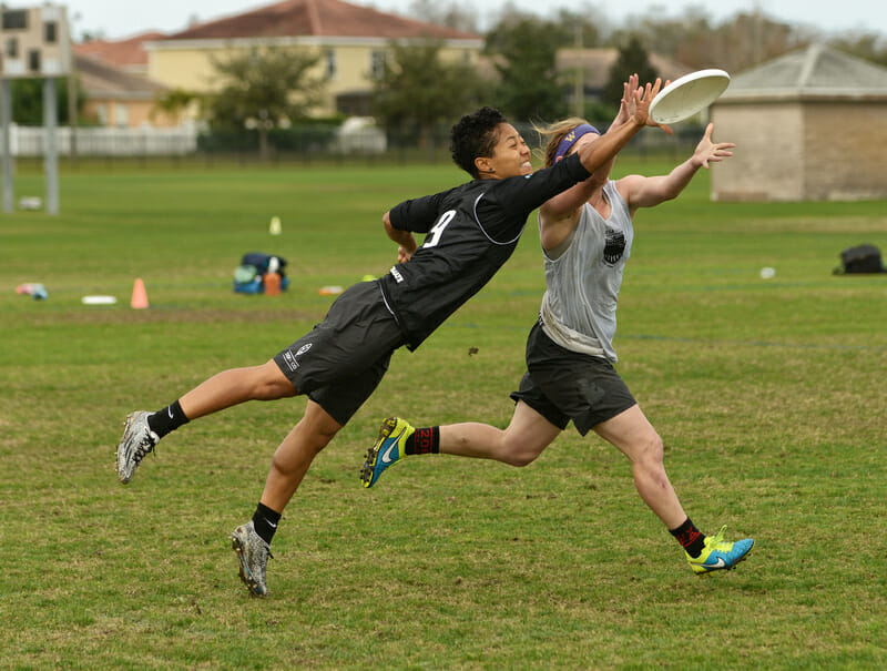 Opi Payne makes one of her many big plays at this weekend's Team USA tryouts. Photo: Billy Dzwonkowski -- UltiPhotos.com