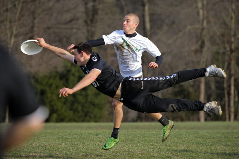 Another angle of UMass' Jeff Babbitt's layout block. Photo: Christina Schmidt -- UltiPhotos.com