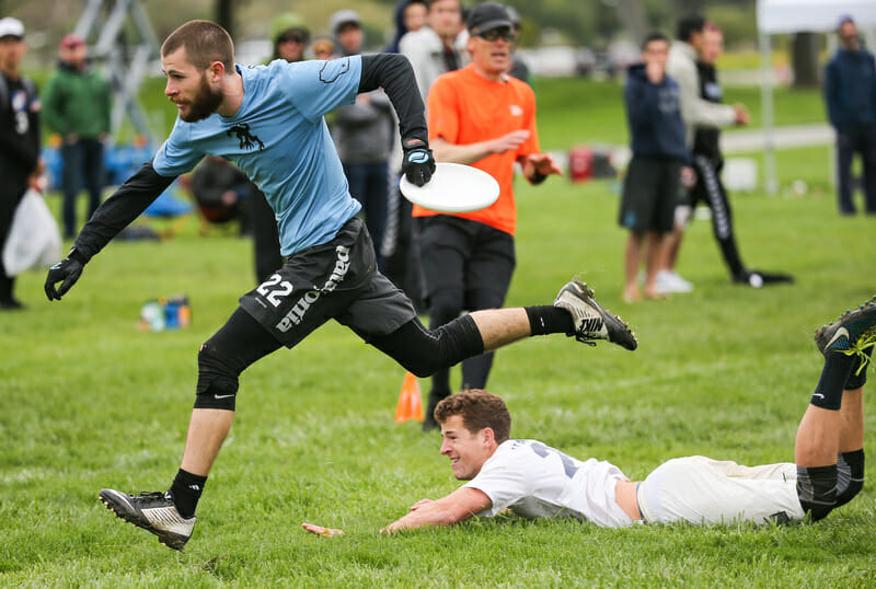Wisconsin's Aaron Speiss scores in the 2016 Stanford Invite final. Photo: Rodney Chen -- UltiPhotos.com