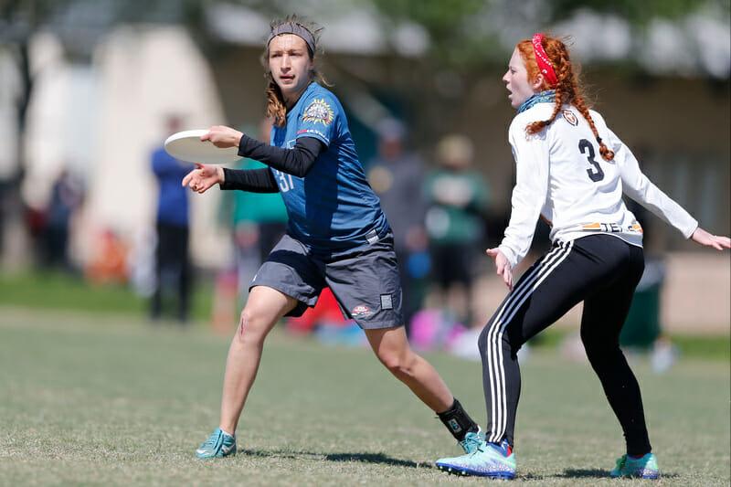 Michigan's Hannah Henkin throws past Texas' Domenica Sutherland at Centex 2016. Photo: William 'Brody' Brotman -- UltiPhotos.com