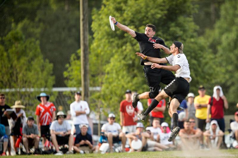 Minnesota rises above UMass in the prequarters. Photo: Paul Andris -- UltiPhotos.com