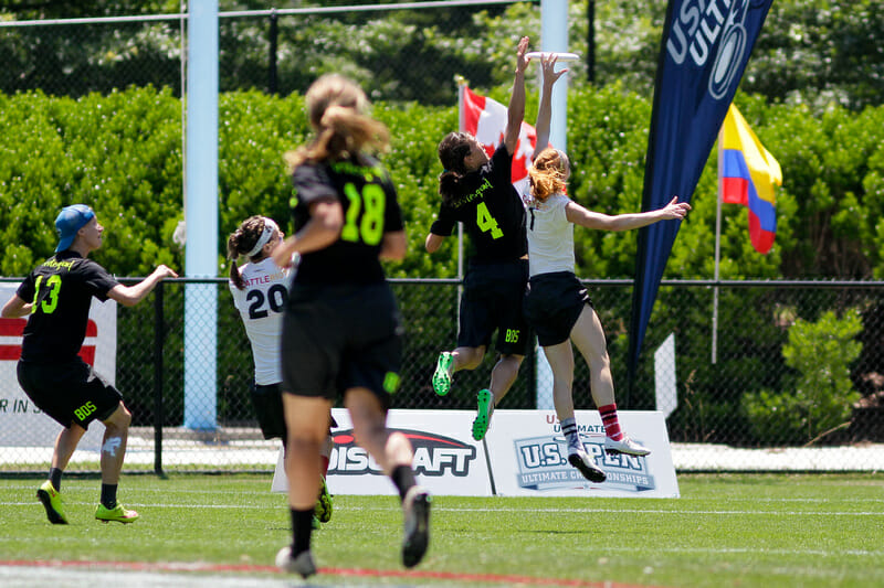 Brute Squad's Lien Hoffmann goes up for a disc against Riot's Kelly Johnson in the 2016 US Open final.