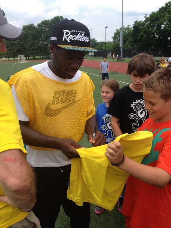 Antonio Brown of the Pittsburgh Steelers with campers at Camp Spirit of the Game in 2014.