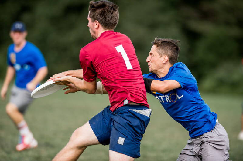 Patrol and Med Men battled for the second bid in a heated game-to-go. Photo: taylor Nguyen -- UltiPhotos.com