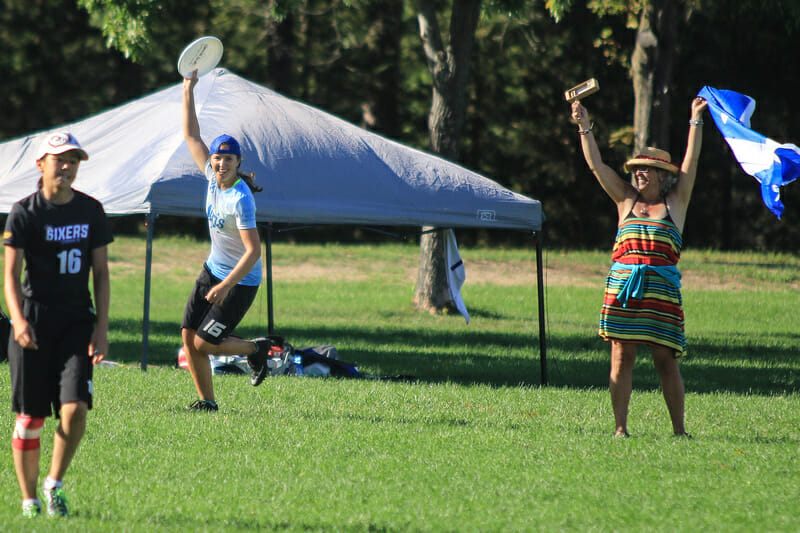Iris celebrates getting past 6ixers in the Northeast game-to-go. Photo: Sandy Canetti -- UltiPhotos.com