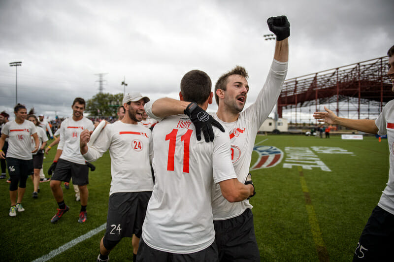 Slow White's Jeff Smith celebrates the team's first ever National Championship. Photo: Paul Andris -- UltiPhotos.com