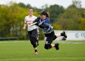 Sarah Anciaux lays out for a goal in Drag'n Thrust's semifinal against Slow White. Photo: Nick Lindeke -- UltiPhotos.com