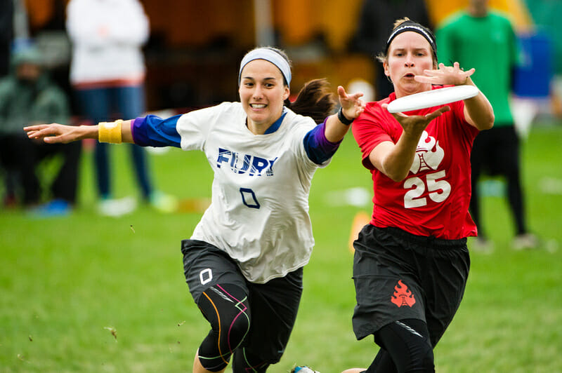 Riot's Alyssa Weatherford and Fury's Marisa Mead battle it out. Photo: Jeff Bell -- UltiPhotos.com