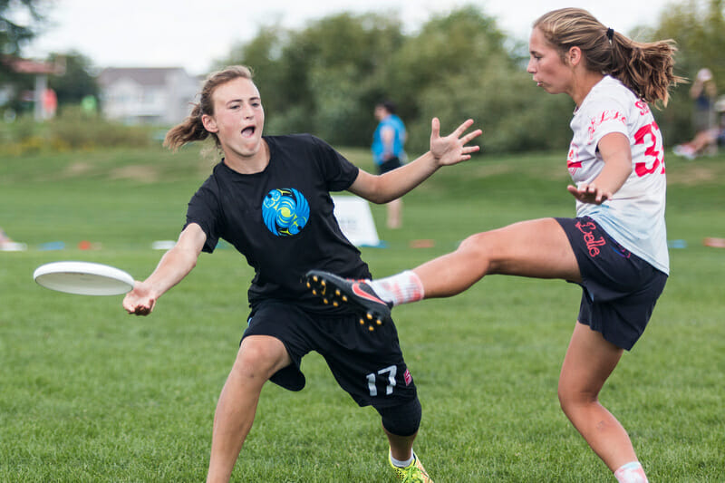 Lakeside's Claire Trop, playing for Seattle Nimbus at YCC. Photo: Daniel Thai -- UltiPhotos.com