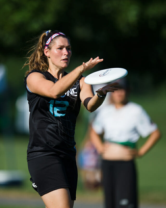 Georgia Tech's Ashley Brown competing with Atlanta Ozone at the 2016 Chesapeake Invite. Photo: Kevin Leclaire -- UltiPhotos.com