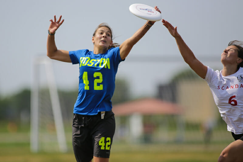 Boston Brute Squad's Rachel Kramer goes for a disc at the 2018 U.S. Open.
