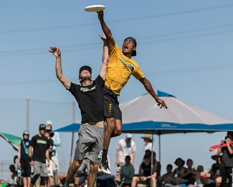 Revolver's Antoine Davis goes over the Condors in the men's final at 2018 Southwest Regionals.