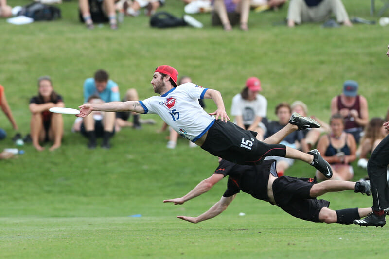 Truck Stop's Nate Castine goes fully horizontal for a grab at the 2019 US Open. Photo: Alec Zabrecky -- UltiPhotos.com