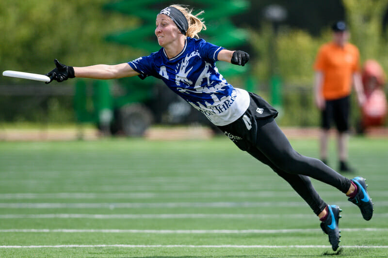 Minneapolis Drag'n Thrust's Erica Baken extends for the grab during the mixed final at the 2019 Pro Championships. Photo: Sam Hotaling -- UltiPhotos.com