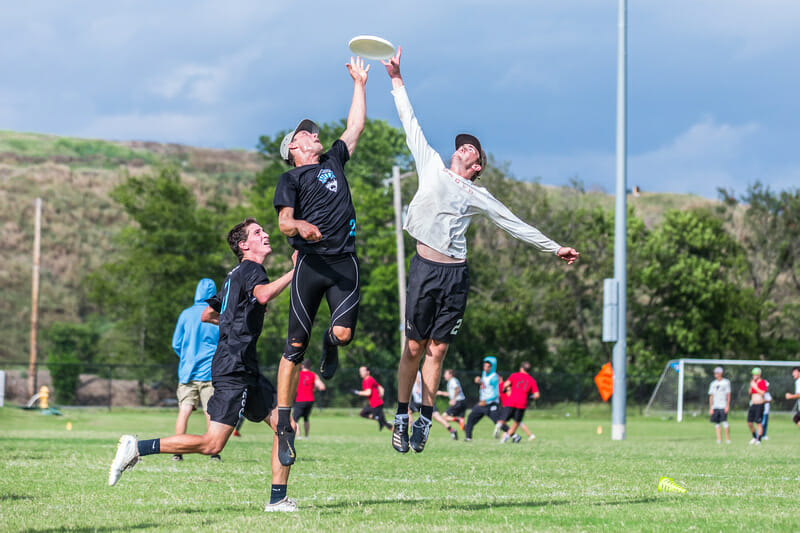 Crosstown Denver rivals Inception and Johnny Bravo clash for the first time of the weekend at 2019 South Central Club Regionals. Photo: Marshall Morris -- UltiPhotos.com