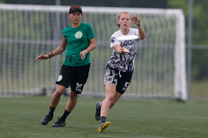 Abby Cheng's Oberlin and Emma Piorier's Puget Sound could clash again in the chase for a 2020 D-III title. Photo: William 'Brody' Brotman -- UltiPhotos.com