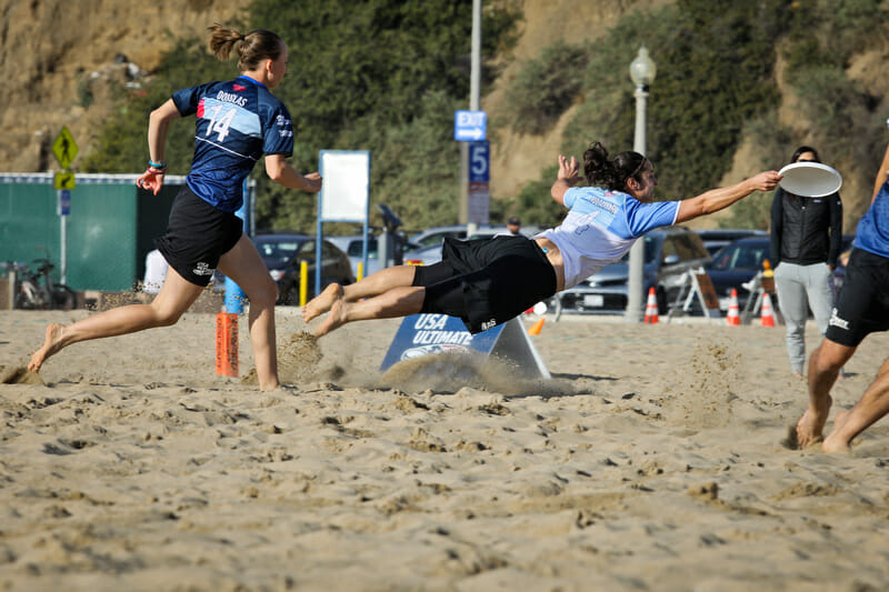 Raha Mozaffari goes horizontal in a Beach of Dreams showcase game. Photo: Kristina Geddert -- UltiPhoto.com