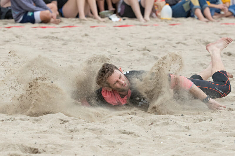 Eli Kearns hits the sand at Lei Out. Photo: Rodney Chen -- UltiPhotos.com
