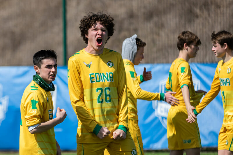 The Edina Boys celebrate on the sidelines at QCTU HS 2020. Photo: Katie Cooper -- UltiPhotos.com