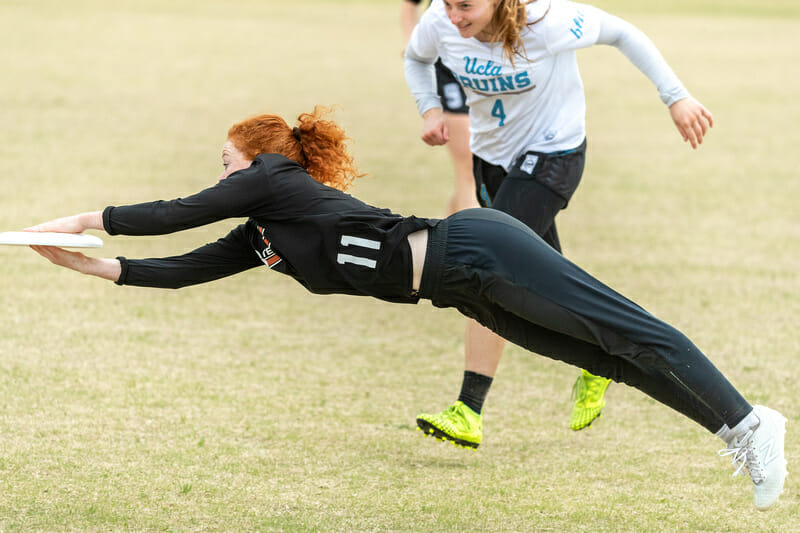 Texas's Emma Berrigan lays out at Stanford Invite 2020. Photo: Rodney Chen -- UltiPhotos.com