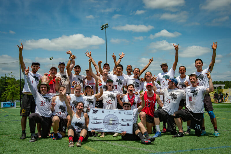 Triangle Toro celebrate their victory at Richmond Cup 2021. Photo: Kevin Leclaire -- UltiPhotos.com