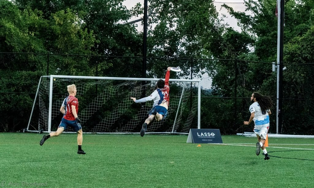 The DC Breeze's Rhys Bergeron makes an incredible diving interception in their Week 12 win over the Raleigh Flyers in 2021 American Ultimate Disc League.