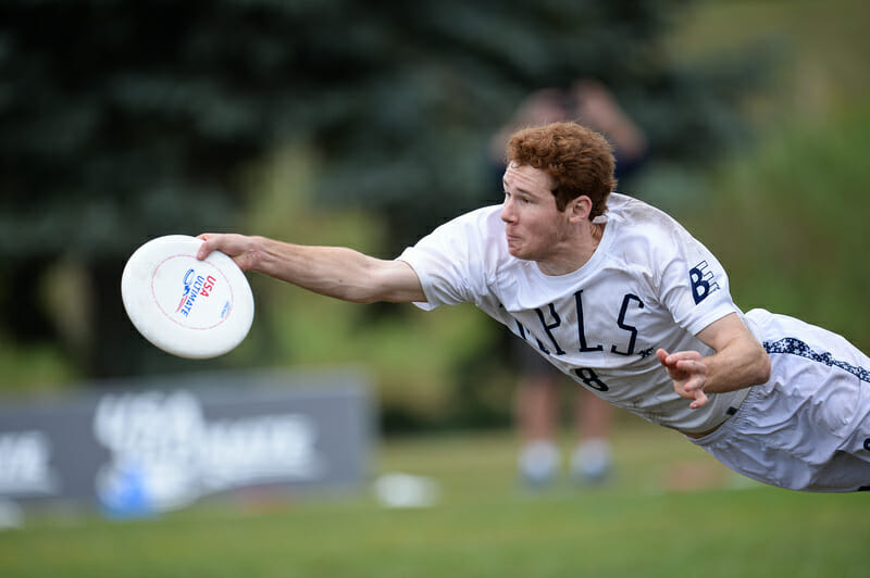Nick Vogt dives to make a catch at the 2021 US Open USA Ultimate tournament.