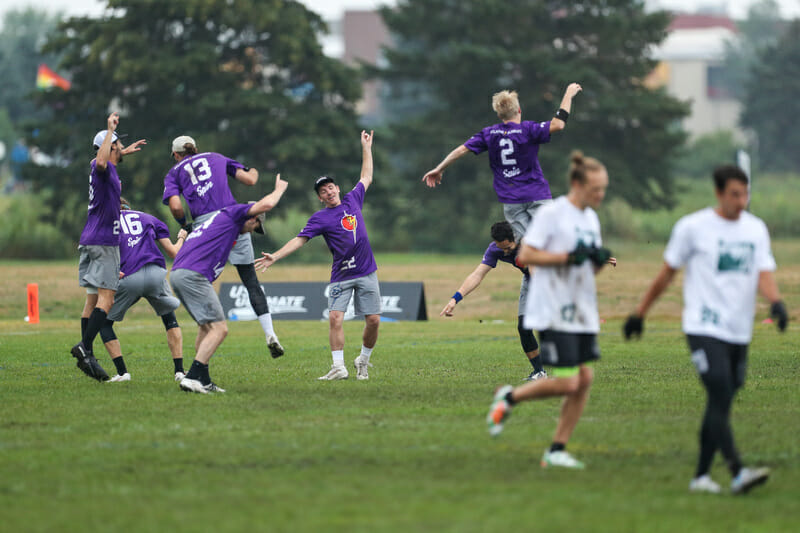 Chain Lightning celebrates during a quarterfinal matchup against Rhino Slam! Photo: Paul Rutherford -- UltiPhotos.com