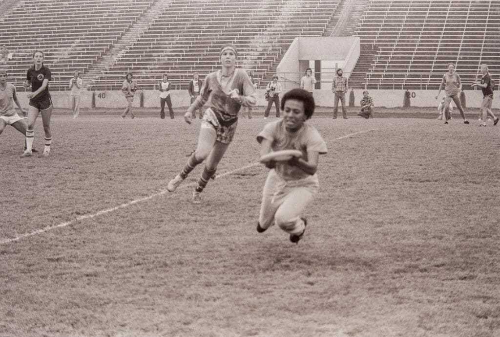 Rhonda Williams for Boston Ladies Ultimate with the catch in the 1981 national final that would give BLU the lead at 7-6 and prove to be the game's final point at the first National Championship in the Women's division. Photo: Karl Cook