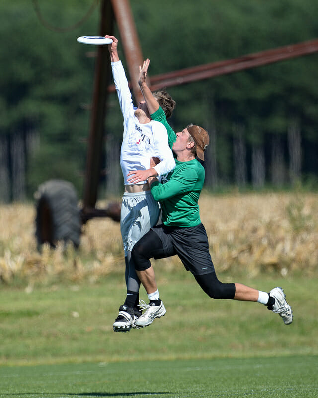 Leveled but comes away with the disc at 2021 Mid-Atlantic Club Regionals. Photo: Kevin Leclaire — UltiPhotos.com
